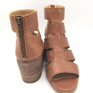 NWOB LUCKY BRAND Weathered Wide Straps Sandal